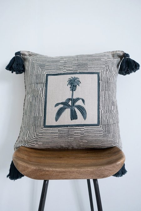 Karu Pineapple Flower Linen Tassel Cushion - grey/blue