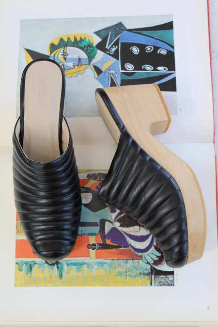 Beklina Ribbed Clog - Black