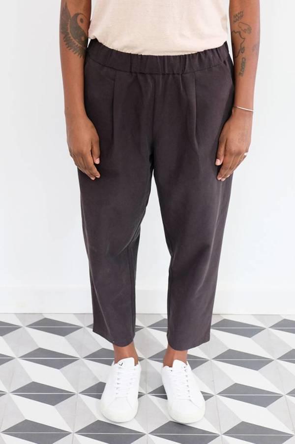 4f2f86b1b740 Evam Eva Tuck Cropped Easy Pants - Sumi