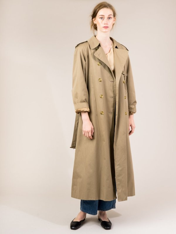 cd8fe3dccbff33 VINTAGE BURBERRY TRENCH COAT   Garmentory