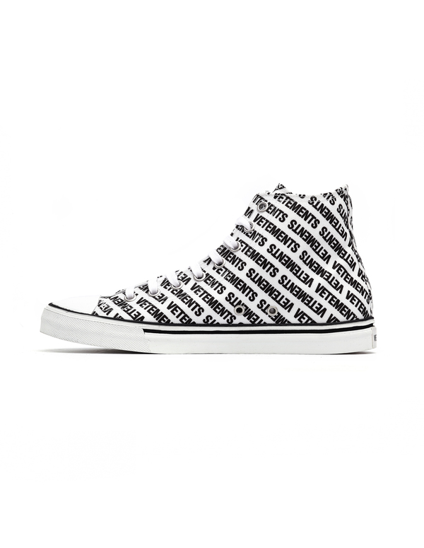 74cec81b1966a Vetements Logo Printed Converse Sneakers - White