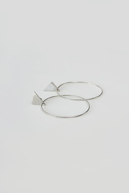 BUNNY TALES TRIANGLE GEOMETRY HOOPS - Silver