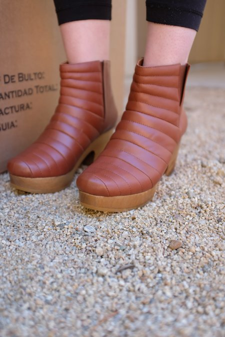 Beklina Ribbed Boot Clog - Wet Clay
