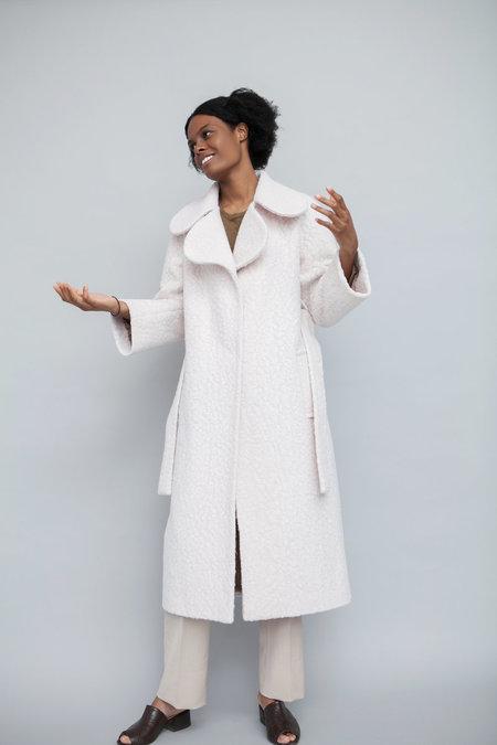 Lera Pivovarova Min Scallop Collar Coat - White