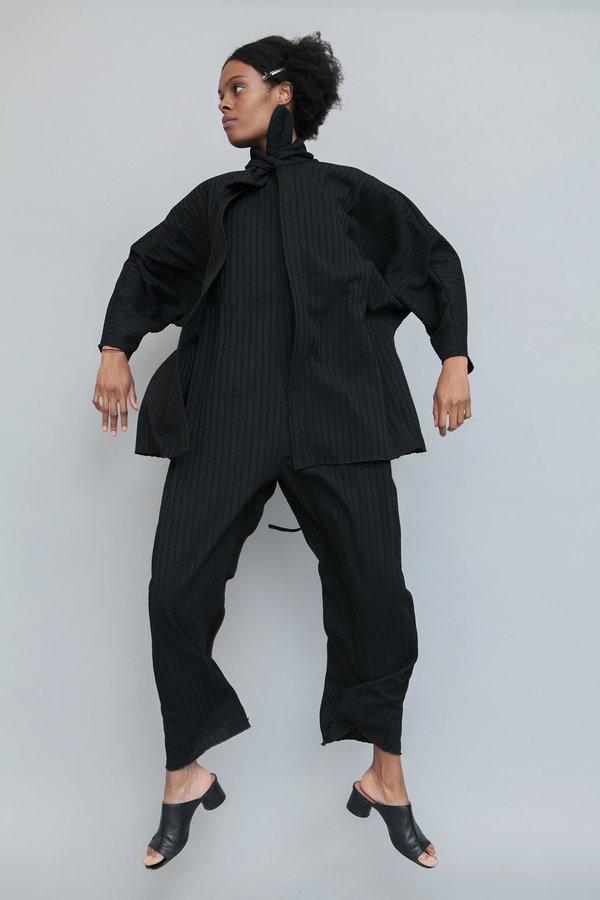 Lera pivovarova isa spaghetti shirt - black