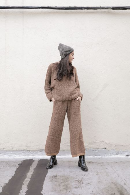 INNOVATIVE TEXTURED TROUSER - CAFE