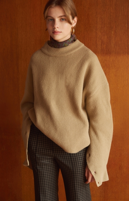 NUVO10 High NECK collar KNIT SWEATER - Beige
