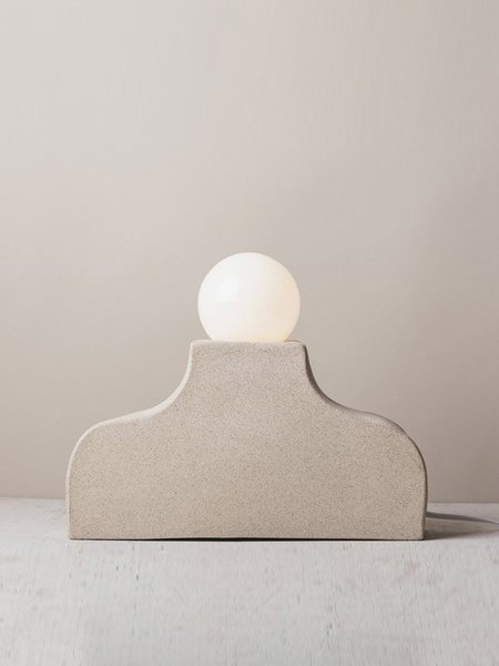 Sin Pedernal Mesa Table Lamp - White