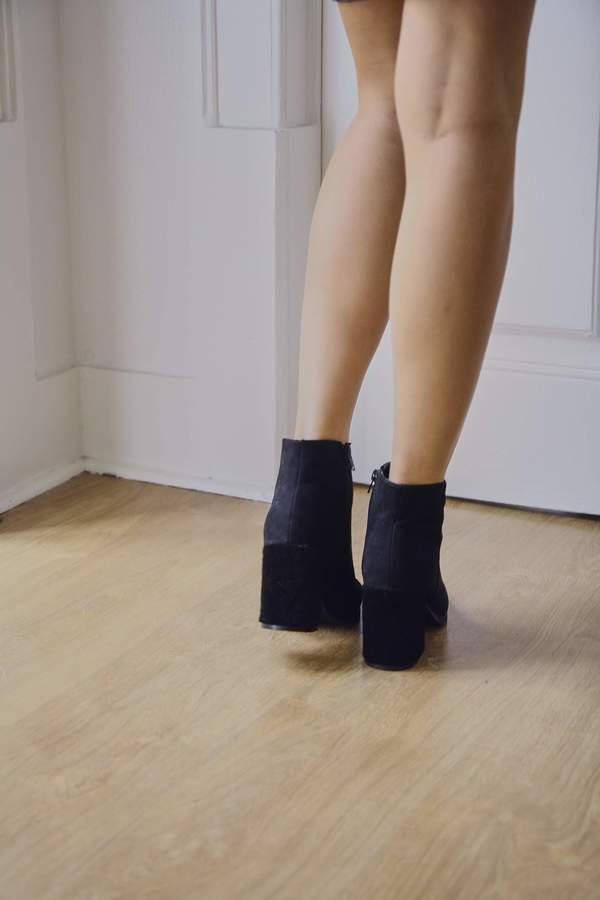 Truffle Textured Heel Boots - Black