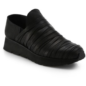LD Tuttle Black The Moss Slip On