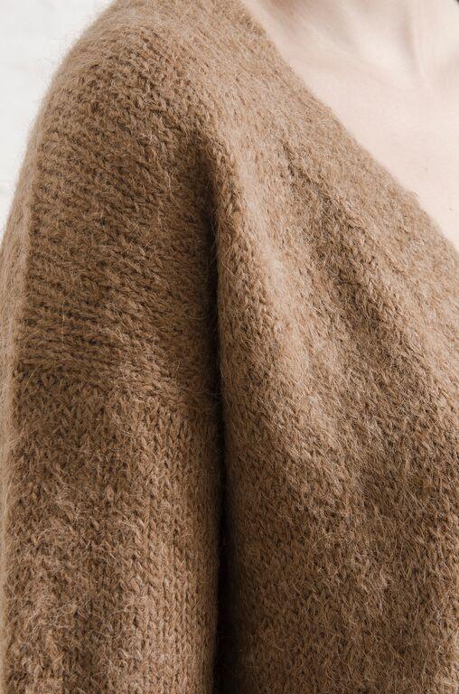 ELEVEN SIX Talea Vee Sweater