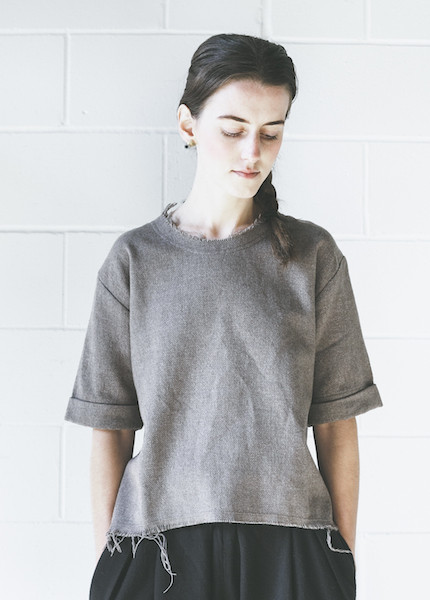 Black Crane Wide Top | Coffee
