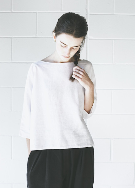 Me & Arrow - 3/4 Dolman Top in White