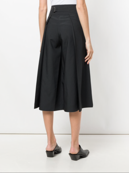 Issey Miyake Culotte With Buttons - Black