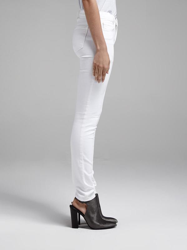 J Brand 811 Mid Rise Skinny Jean - White