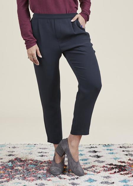 Baby & Company Silk Tuck Easy Pant - Black