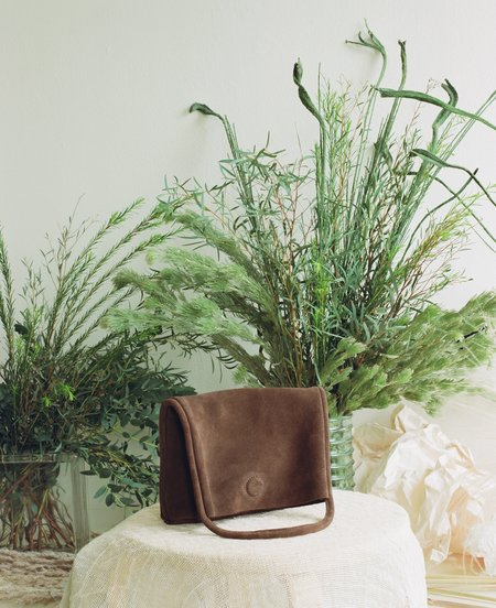 ARE Studio Mano Suede BAG - chocolate