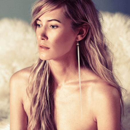 Ludevine Uber Long Flash Earring