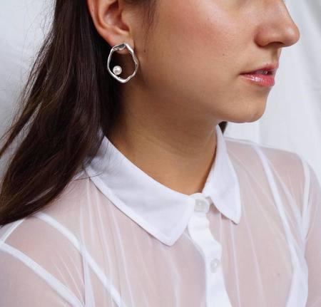 Sunday Feel Daughter Earrings - Silver
