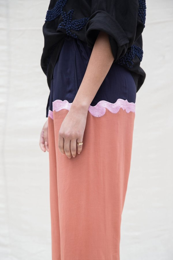 Nikki Chasin ENZO DRAWSTRING PANTS - NAVY/PECAN