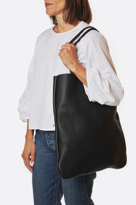 Frrry Rivet Leaf Tote - Black