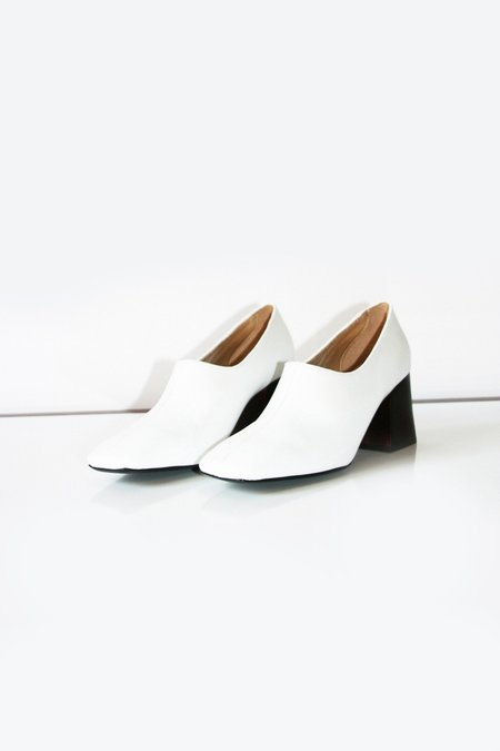 Suzanne Rae Pump Wood Heel - White