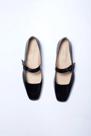 Zou Xou Eugenia Flat - Black Glaze