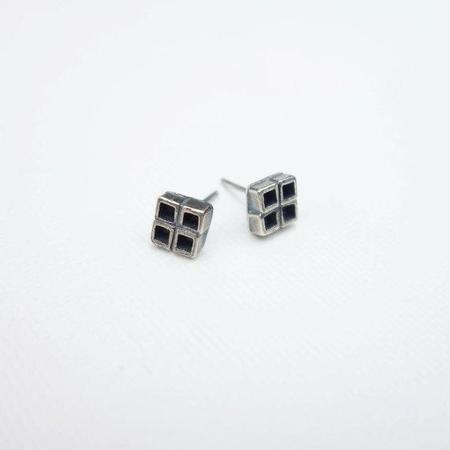 Knuckle Kiss Four Square Stud Earrings