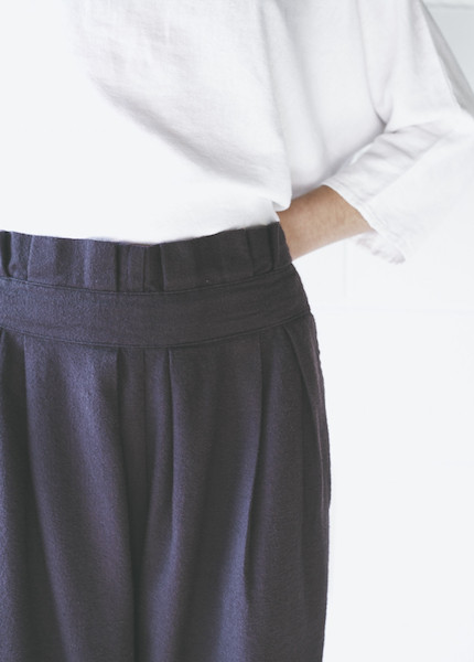 Black Crane Pleats Pant in Purple