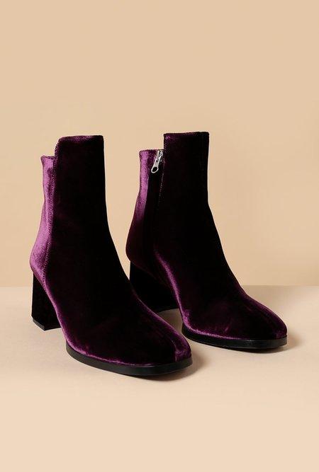 Hope Mac Bootin velvet boot - plum