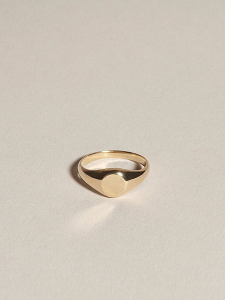 J. Hannah Demi Signet Ring - 14K Yellow Gold