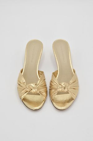 Mari Giudicelli Jeanne Knot Sandal - Gold