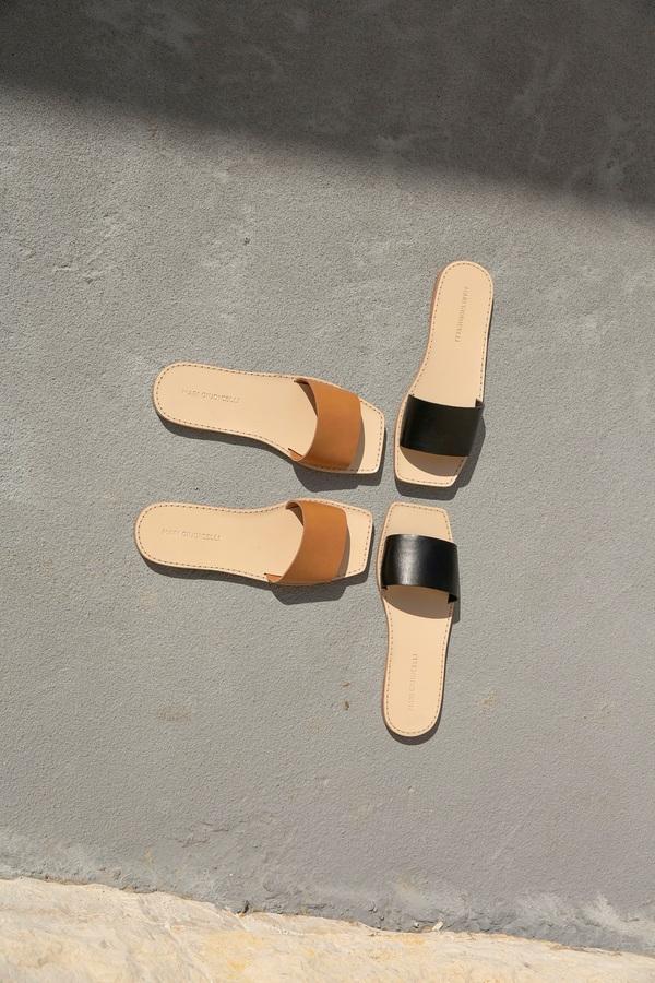 Mari Giudicelli Porto Sandal - Tan