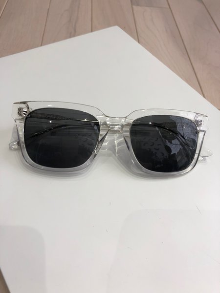 Park and Finch Loerlai Sunglasses - Clear