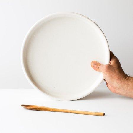 Atelier Trema Ceramic Round Oven Dish - neutral