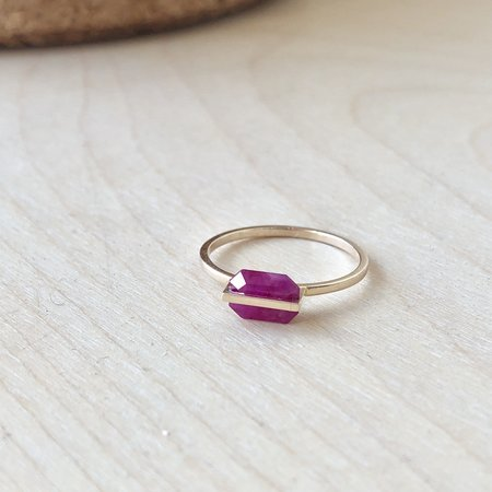 Januka Ruby Ring - Gold