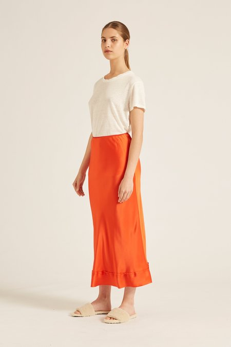 Lee Mathews stella silk satin skirt - tangelo