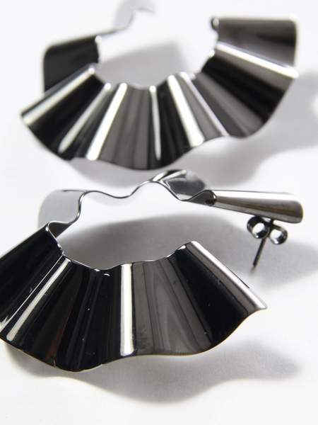 Gaviria Large Ravioli Earrings - Black