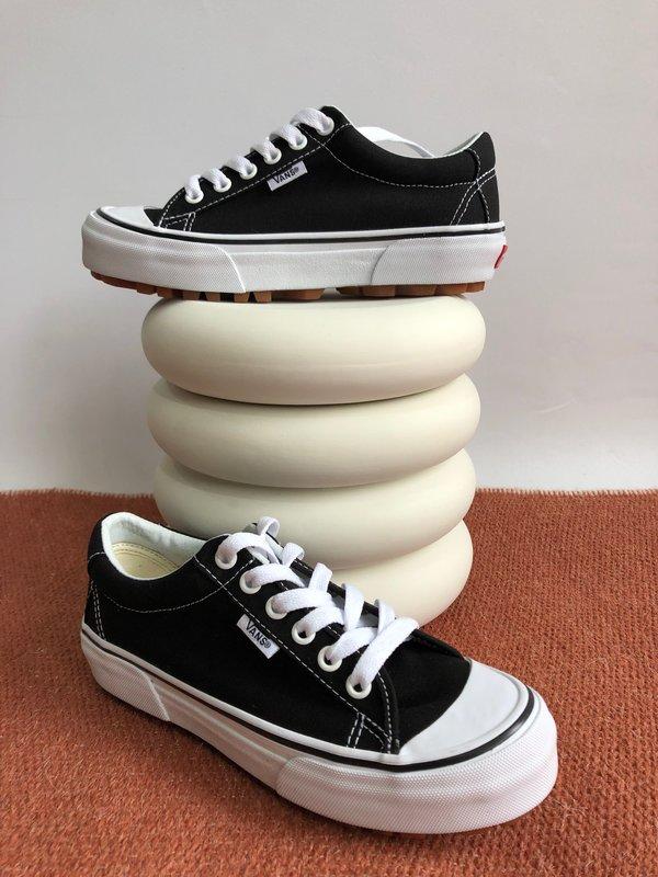 bezahlbarer Preis neueste trends exklusives Sortiment VANS STYLE 29 SNEAKER - BLACK/TRUE WHITE on Garmentory