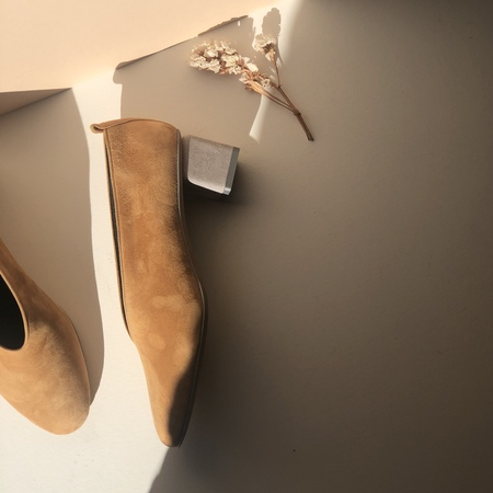 GRAY MATTERS MILDRED SUEDE PUMPS - CAMEL - EXCLUSIVE