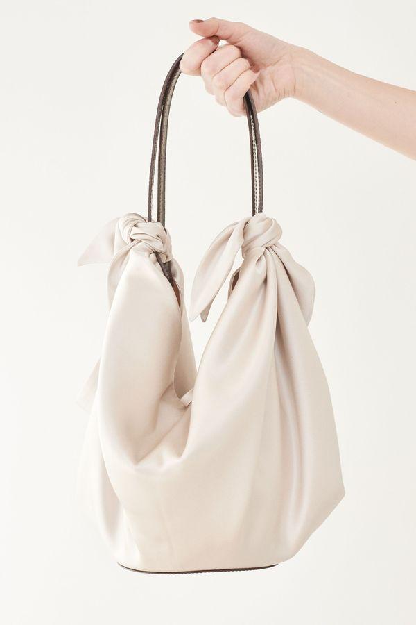 Scarf Garmentory Creme Bag Nanushka Satin Inda Zqng0HPH