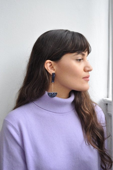 iuo Anchor Earrings - Dark Blue