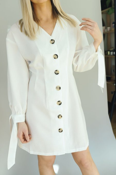 Six Crisp Days Button Down Pretoria Dress - White