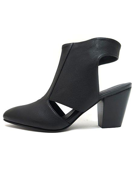ARIANA BOHLING Dara Boot