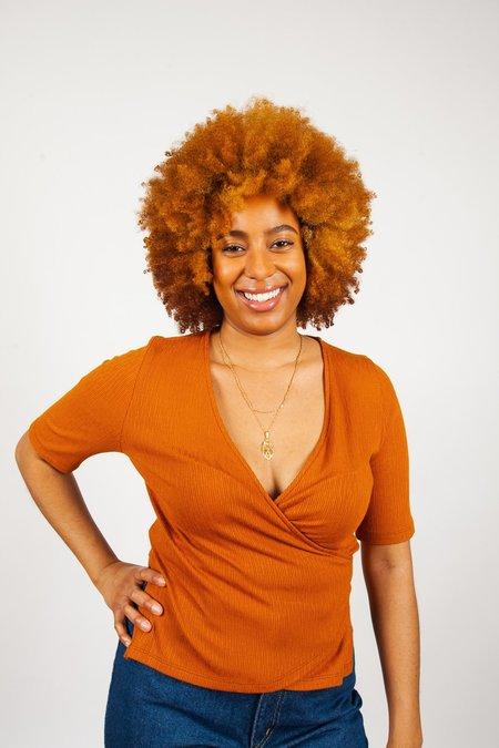 Eve Gravel Peninsule Top - warm amber