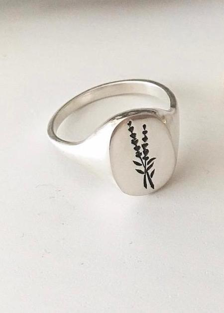 Claus Lavender Signet Ring - Silver
