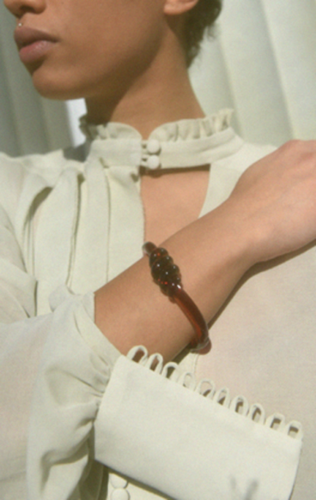 Maryam Nassir Zadeh Knot Clasp Bangle - AMBER