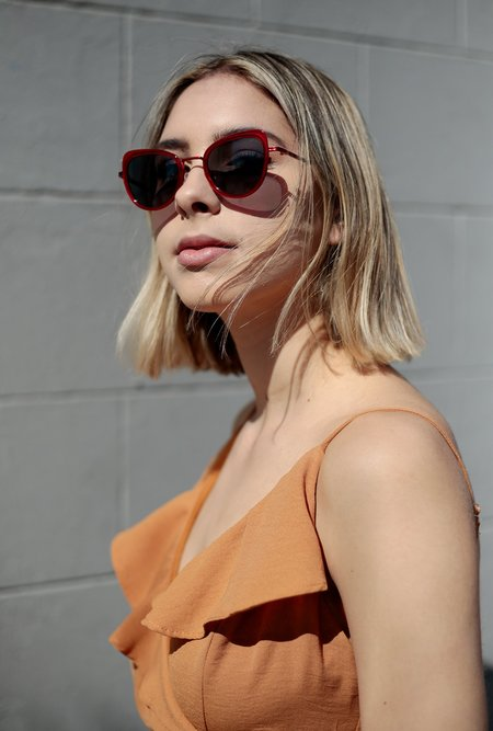 KOMONO Billie Sunglasses - SCARLET