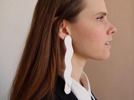 doucement dominika earrings - white