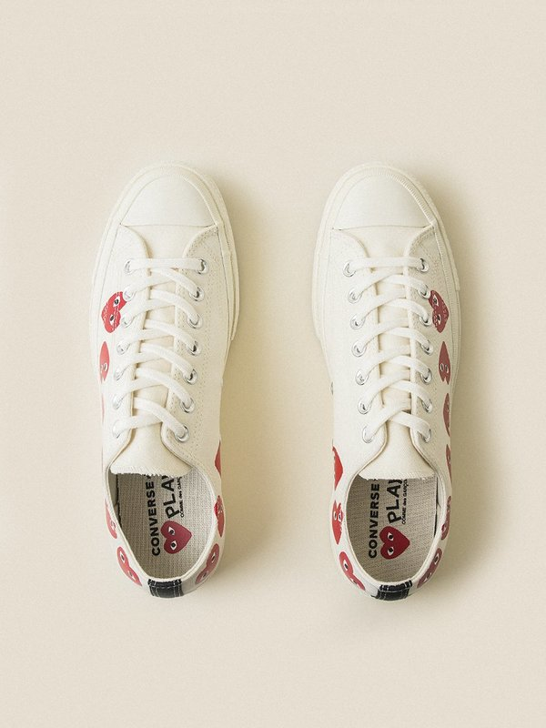 COMME DES GARCONS PLAY x CONVERSE Low Chuck 70 Multi Heart White Sneakers
